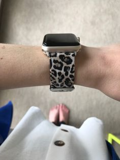 The best apple watch leopard band for small wrists! Comes in multiple colors! A great range of steel apple watch bracelets to suit every occasion Cute Apple Watch Bands, Best Apple Watch, Apple Watch Colors, Apple Band, High End Watches, Watches For Men, Popular Watches, Nice Watches, Sport Watches