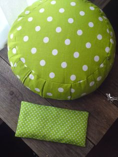 Meditation cushion zafu & yoga eye pillow  par MariposaZen sur Etsy, $75.00