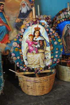 https://flic.kr/p/cyiEKN | Viva la Virgen del Carmen | The Virgen del Carmen (Virgin of Mt. Carmel) holds infant Jesus. This kind of basket is carried in religious processions in Oaxaca called calendas.  The processions announce the coming of important festivals. July 16 is the feast day of the Virgen del Carmen.