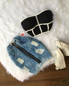 Já disponível na Loja? Tumblr Outfits, Grunge Outfits, Trendy Outfits, Latest Fashion For Women, Teen Fashion, Fashion Outfits, Womens Fashion, Mode Jeans, Western Outfits