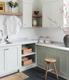 Laundry Cabinets, Kitchen Cabinets, House Rooms, Home Bedroom, Home Decor Inspiration, Decoration, Dining Area, Home Remodeling, Home Furniture