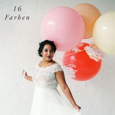 Riesenluftballons in 16 Farben 4,96 € zzgl. 19% MwSt. zzgl. Versandkosten Vorrätig und versandfertig  Beschreibung Diese Hochzeitsballons sind einfach riesig und werden garantiert nicht übersehen. Aufgeblasen erreichen die Latexriesenballons einen Durchmesser von fast einem Meter und beeindrucken damit bestimmt jeden Gast. Suche aus unseren Farben die passende für Deine Hochzeitsdeko oder Geburtstagsfeier aus undlaßdie Ballons mit Helium schweben.Das Schöne an den Gironimo Balloons ist…