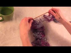 How to knit - Tweak your continental style knitting for speed. Knifty Knitter, Loom Knitting, Knitting Socks, Crochet Scarves, Knit Crochet, Knitting Scarves, Knitted Fabric, Sashay Yarn, Ruffle Yarn