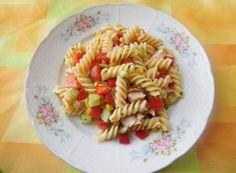 Večeře pro štíhlý pas: 10 vynikajících receptů na saláty, které Vás zbaví zbytečných kil navíc. | NejRecept.cz Salads, Menu, Ethnic Recipes, Menu Board Design, Salad, Chopped Salads