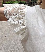 Sewing Techniques Couture TUTORIALS and Sewing Tips (including how to add this lace flutter sleeve to a t-shirt) - Here's an easy tutorial for adding a lace flutter sleeve to our School Bus T-shirt pattern. Sewing Hacks, Sewing Tutorials, Sewing Tips, Free Tutorials, Sewing Ideas, Techniques Couture, Sewing Techniques, Diy Clothing, Sewing Clothes