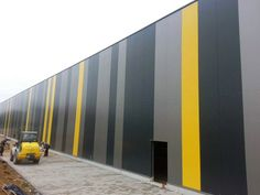 MPS System Factory Architecture, Facade Architecture, Building Elevation, Building Facade, Facade Design, Wall Design, Pintura Industrial, Big Sheds, Facade Pattern