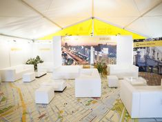 <p>Zum Hamburger Hafengeburtstag wurde ein großes Zelt mit FOTOBODEN™ dekoriert. Die Stadt Buenos Aires mit mehr als 13 Millionen Einwohnern und einer Fläche von 202 Quadratkilometern hat sich dort präsentiert. Und was ist immer interessant? Natürlich eine Stadtkarte. Diese wurde…</p>