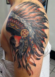A Native American war bonnet adorns gracefully the arm of a modern warrior…The image of this incredible arm tattoo summons the stories of those who inhabited the American continent by birthright, it will fill your imagination with animal totems, of wisdom beyond our logical minds with surprising beauty.