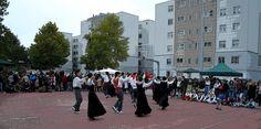 cosasdeantonio: Fiestas de Echavacoiz Año 2016 - Dantzaris (2) 27 ... Street View, October 27, Fiestas