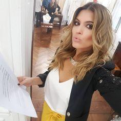 """37 mil Me gusta, 113 comentarios - Maria del Cerro (@merydelcerrok) en Instagram: """"Se viene algo tremendo con @benitofernandez ❤ @kosiukooficial"""" Celebs, Makeup, Instagram Posts, Stars, Fashion, Pump, Night Out, Actresses, Hair"""