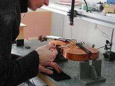 Modal Analysis of a Violin by Pietro (II) Guarneri