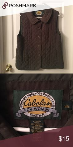 👢👢 CABELA'S FOR WOMEN CLASSY VEST LOVE ❤️  THIS CUTE Vest!! Button up with two pockets in the front ✨ ADORABLE!! Cabela's For Women Jackets & Coats Vests