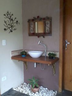 bancada decorada Decor, Home Interior Design, Small Bathroom Makeover, Bathroom Decor, Bathroom Decor Apartment, Amazing Bathrooms, Bathroom Remodel Shower, Cupboard Design, Washbasin Design