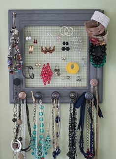 Rach's Blog: DIY Jewelry Box On My Wall