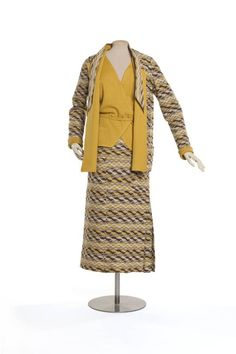 Tailleur, veste, jupe, corsage Création : Chanel , maison de couture Paris 1928 (vers) Gabrielle Chanel , couturier Matières et techniques : Jersey de laine