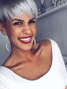 Cute Hairstyle Ideas for Long Face 2020 - Best Short Haircuts Wedge Hairstyles, Short Hairstyles For Women, Cool Hairstyles, Short Grey Hair, Short Hair Cuts, Short Hair Styles, Shirt Hair, Shaved Hair, Grunge Hair