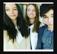 3 Friends, Watch V, About Me Blog, Christian, Beautiful, Actresses, Gatos, Girls, Actor