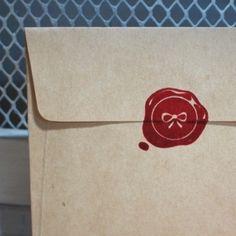 Geschenkidee: Stempel in Siegel-Optik // stamp by Nothing Elegant via DaWanda.com / 7,99€
