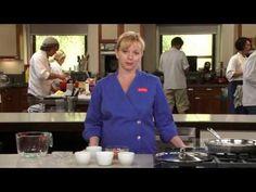 America's Test Kitchen Online Cooking School: Bridget Lancaster Explains How to Poach an Egg Cooking Utensils Set, Cooking Spoon, Fun Cooking, Cooking Tips, Cooking Recipes, Cooking Pasta, Cooking Light, Perfect Poached Eggs, Americas Test Kitchen