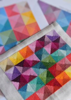 Cross Stitch Geometric, Simple Cross Stitch, Modern Cross Stitch Patterns, Cross Stitch Designs, Bead Patterns, Square Patterns, Crochet Patterns, Cross Stitching, Cross Stitch Embroidery