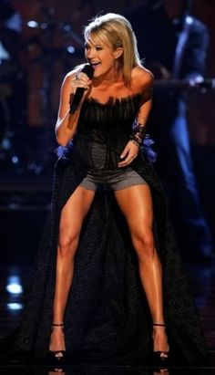 Get Sexy Legs like Carrie Underwood! Detail on her leg routine :)  fitness motivation workout tips