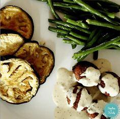 Aubergines rôties, sauce tahini... yummy!!!