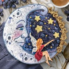 Blueberry pie with a lemony sugar cookie crust and cookie toppings. simplyhealth… Blueberry pie with a lemony sugar cookie crust and cookie toppings. Beautiful Pie Crusts, Moon Cookies, Chip Cookies, Pie Crust Designs, Pie Decoration, Pies Art, Impressive Desserts, Pastry Art, Pie Crust Recipes