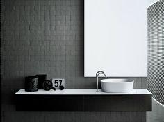Modern bathroom inspiration by COCOON Bad Inspiration, Bathroom Inspiration, Bathroom Styling, Bathroom Interior Design, Simple Bathroom, Modern Bathroom, Bad Styling, Boffi, Wood Vanity