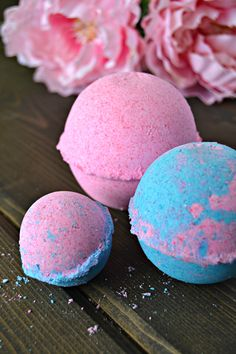 Homemade Bath Bombs are the perfect way to enjoy a long soak in the tub, without spending a TON of money! DIY and enjoy a bath bomb every night if you want!