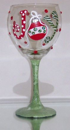 This is a great holiday wi… JOY Holiday Christmas Wine Glass- Swarovski crystals. Wine Glass Crafts, Wine Craft, Wine Bottle Crafts, Wine Bottles, Wine Decanter, Diy Wine Glasses, Hand Painted Wine Glasses, Vinyl Glasses, Wine Painting