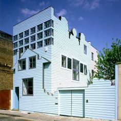 FAT's+seminal+Blue+House+set+for+rooftop+extension