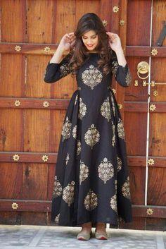 Buy online Dresses - Black block printed cotton maxi dress from Jharonka Mode Abaya, Mode Hijab, Stylish Dresses, Casual Dresses, Fashion Dresses, Casual Wear, Formal Dresses, Indian Gowns Dresses, Pakistani Dresses
