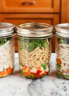 These DIY Instant Noodle Pots are crazy clever! #BetterFatBurner options can be made using Shirataki noodles or the noodles found here: http://www.betterfatburner.com/missing-stick-ribs-factor/. The bean pasta would need to be cooked (easy peasy); the Shirataki noodles can be added after rinsing. Pasta Zero is my preferred brand--they're tofu free. I'm eager to assemble a Pad Thai Pot.