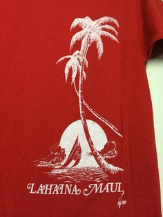 570706037ec Vintage Poly Tees Lahaina Maui Hawaii red souvenir T-shirt looks size Small  Palm Tree beach scene all cotton