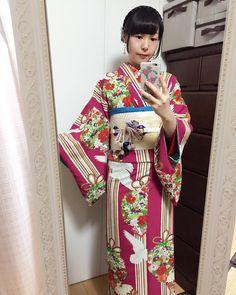 「今日のコーディネート☆ はいかる糖花さんの「ことほぎロマンチカ」に、洋花の刺繍と暈しの名古屋帯、帯締めはリングリング、半襟はふりふさんを合わせました(*^^*) #着物 #kimono #着物女子 #大正浪漫 #大正ロマン #着物コーディネート」