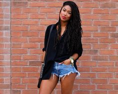 Toronto Street Style: Sam Shows Off in Cut Offs