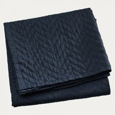 Bedspread in ebony grey. Create a luxurious feeling in your bedroom with Zaza bedspred. Zaza has a quilted surface that looks as nice as it feels to touch. Gray Bedspread, Grey And Beige, Subtle Textures, Jacquard Weave, Double Beds, Bed Spreads, Cushion Covers, Timeless Design, Furniture Decor