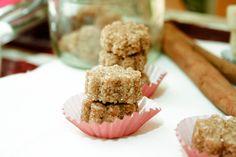 Zollette di zucchero aromatizzato alla cannella e zenzero.