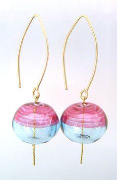 by Israeli glass artist Anat Sapir #earrings #jewelry