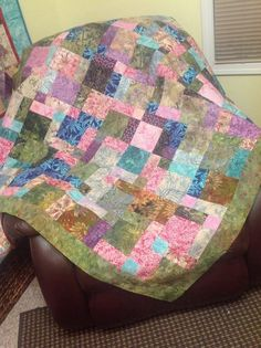 There's a tutorial on YouTube made by Jenny Doan from Missouri Star Quilt Company for this disappearing nine-patch.