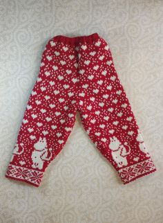 These wonderful hand-made pants are made from 100% organic wool and available in red, blue, gray, light gray and pink colors. They are designed specifically for children and can be a perfect match to any winter outfit.  Regardless of how active or passive your child is such a soft organic material of the pants will ensure the highest level of comfort and protection at the same time!  On the photo the pants are made from red wool  There are also different sizes available: Model A length of…