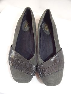 2be28931b62 Gray Taupe Flats with Rubber sole and cushioned footbed. Preowned with  signs of wear throughout the shoe.