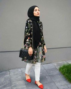 Pin by lara zawdeh on hijab outfit in 2019 lenços, look perf Islamic Fashion, Muslim Fashion, Modest Fashion, Hijab Fashionista, Casual Hijab Outfit, Hijab Chic, Ootd Hijab, Mode Outfits, Fashion Outfits