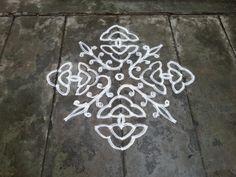 Rangoli designs/Kolam: [S.No Ner Pulli Kolam Rangoli Borders, Rangoli Border Designs, Rangoli Designs Images, Rangoli Designs With Dots, Kolam Rangoli, Rangoli With Dots, Simple Rangoli, Rangoli Ideas, Muggulu Design