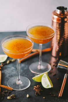 Chai Cocktail with Golden Raisin Rum: Forget chai lattes — chai infused cocktails, made with raisin-soaked rum, it the way to do it. Click through for more fall cocktails that are just perfect for Thanksgiving.
