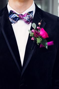 Black & Gold NYE Wedding: Groomsmen look featuring boutonniere by Celsia Floral.