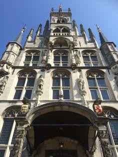 27 augustus 2016 - Gouda (Sint Janskerk met Goudse glazen, stadhuis, kaas, grachten, monumenten en gevels) en Schoonhoven (Veerpoort, NH-kerk, zilver, watertoren)