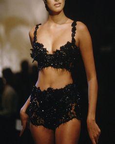 christian dior 1995 - Home Fashion Killa, Look Fashion, 90s Fashion, Runway Fashion, High Fashion, Fashion Show, Vintage Fashion, Fashion Outfits, Fashion Design