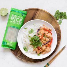 Lotus Foods Spicy Peanut Jackfruit Noodles with Organic Pad Thai Noodles #spicy #noodles Pad Thai Noodles, Rice Noodles, Ginger Head, Food Inc, Pinoy Food, Food Website, Peanut Sauce, Lotus, Spicy