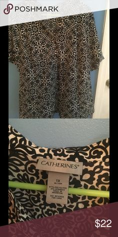 Catherine's 1x dress shirt Super flattering! Button down 1x is 18/20 this is petite Catherines Tops Button Down Shirts